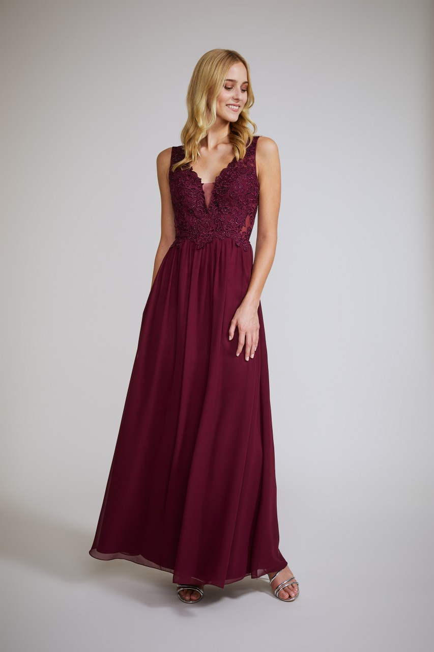 LACE STUNNER MAXI DRESS